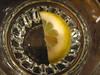 limone nel bicchiere