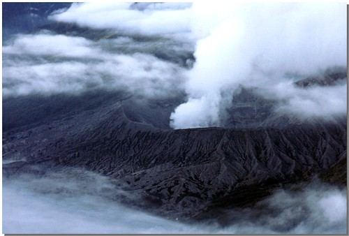 """Bromo [5] • <a style=""""font-size:0.8em;"""" href=""""http://www.flickr.com/photos/49106436@N00/4329676653/"""" target=""""_blank"""">View on Flickr</a>"""
