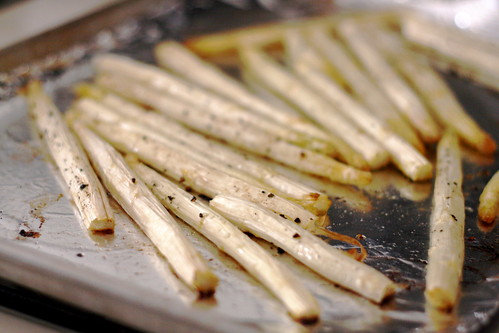from food magazine writing styles to perspectives on change, we all see things differently / tilapia and white asparagus