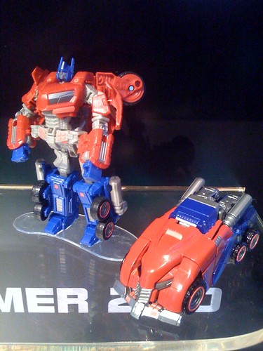 War for cybertron deluxe optimus prime