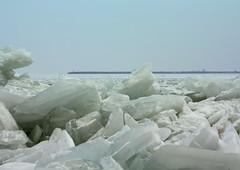 Drifting ice (ZoomLoes) Tags: winter ice nature february dike volendam drifting 2010 gouwzee loesvandezande