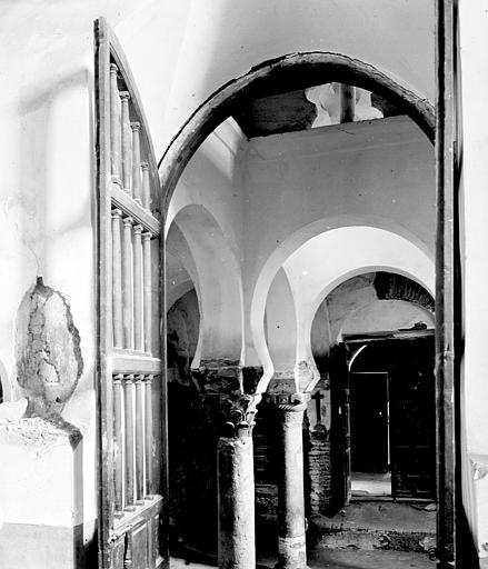 Mezquita del Cristo de la Luz en septiembre de 1907. Fotografía de Petit. Société Française d'Archéologie et Ministère de la Culture (France), Médiathèque de l'architecture et du patrimoine (archives photographiques) diffusion RMN