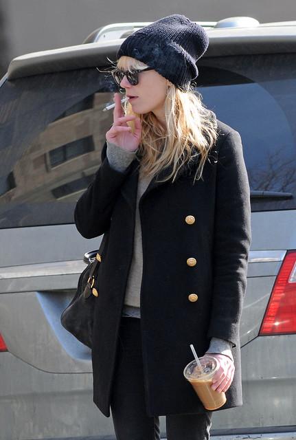 Kirsten Dunst // New Candids // N.Y 20-02-2010 by kikidunst_5