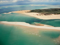 BAZARUTO FROM THE AIR (Andr Pipa) Tags: africa indianocean aerialview explore mozambique moambique 100faves takenfromaplane bazarutoarchipelago andrpipa barazuto oceanondico africafromtheair photobyandrpipa mozambiquefromtheair