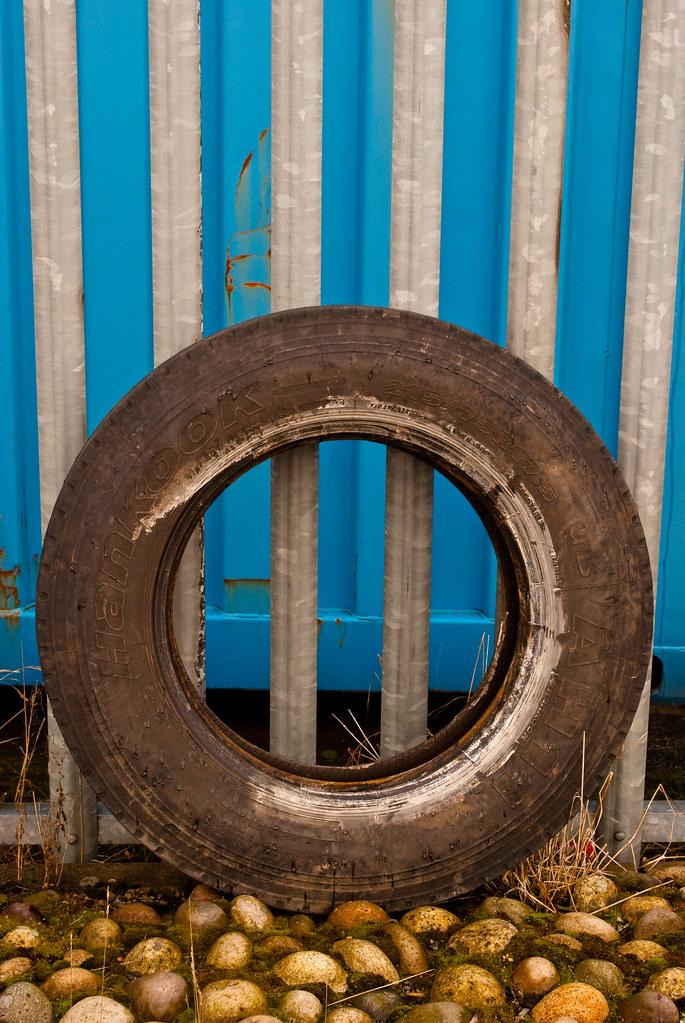 270210_ a lost tire (058/365)