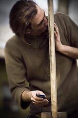 Alex (Matteo Settegrana) Tags: wood people man hands nikon kiss mani manos persone uomo scultore beso hombre sculptor bacio legno matteosettegrana