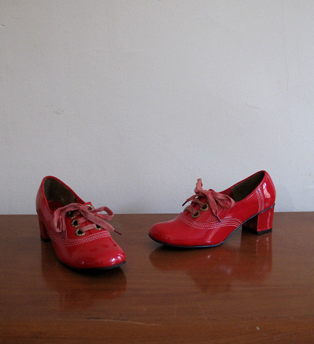 vtg 60's red lace up heels
