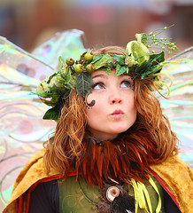 Twig the Fairy looking to the skies 2010 AZ Ren Fest (gbrummett) Tags: portrait beautiful canon wonderful fun cool gorgeous tag medieval fairy twig stunning usm renfaire renfair canoneos ef huzzah 2010 135mm 50v5f canonef f2l huzzar twigthefairy arizonarenaissancefestival azrenfest canonef135mmf2lusmlens grantbrummett canon5dmarkiidigitalcamera azrenfes 2010azrenfes royalfaire scarboroughrenaissancefestivalnearwaxahachietexas