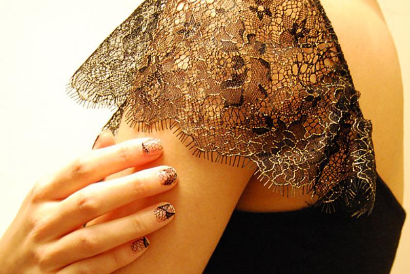Behind The Seams DIY lace manicure