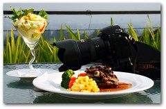When the photographer got hungry :-) (Henny H. Riedmller) Tags: camera bandung cibo bicchiere piatto sierracafe mmmusmcanon