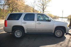 Hybrid Chevy Tahoe SUV: Friend or foe? (Chris Devers) Tags: chevrolet water electric boston truck river ma flow stream brighton massachusetts charlesriver tahoe charles chevy vehicle hybrid suv bostonma watertown 2010 allston bostonist allstonma watertownma brightonma universalhub chevytahoe chevrolettahoe cameranikond50 exif:exposure_bias=0ev exif:focal_length=18mm exif:exposure=0003sec1400 exif:aperture=f35 tahoehybrid lens18200vr camera:make=nikoncorporation exif:flash=autofiredreturndetected camera:model=nikond50 hybridtahoe meta:exif=1271777288 meta:seen=elsewhere exif:orientation=horizontalnormal exif:lens=18200mmf3556 exif:filename=dscjpg exif:vari_program=auto exif:shutter_count=42344 meta:exif=1350398856
