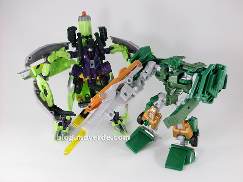 Transformers Mixmaster RotF Voyager (G1 deco) + Hoist RotF Deluxe - modo robot