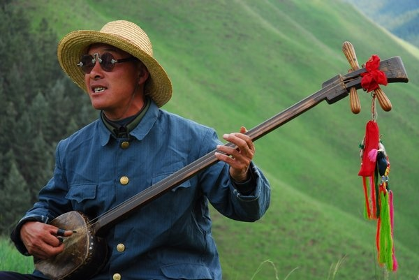 献给土地的乐章 - 艾小柯 - 流浪者的乡愁