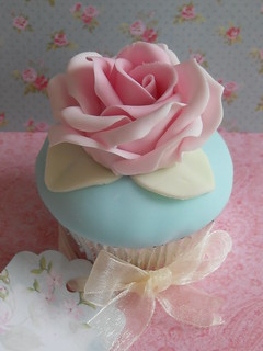 Cupcake Favour by Cotton and Crumbs