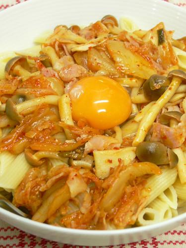 キムチ納豆ペンネ丼