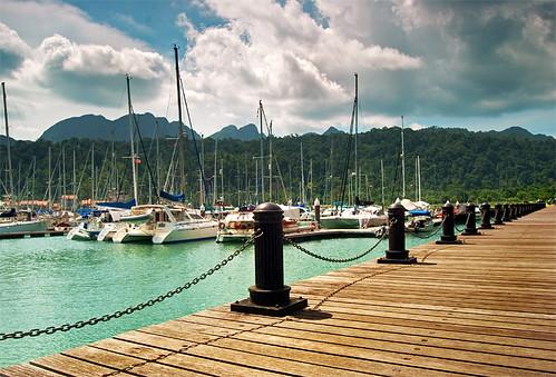 2010-04-19-yacht-marina-800w