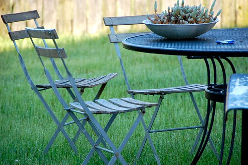 dumpster diving: patio chairs