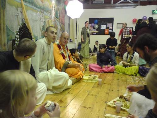 Indradyumna Swami Vyasa puja in UK 2010 -0036 por ISKCON desire  tree.