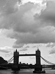 Turistic relax (Emiliano Boga) Tags: street uk bridge england urban bw london tower umbrella towerbridge studio photo factory torre unitedkingdom united kingdom bn ponte photostudio londra emiliano inghilterra boga nadir starda colorphotoaward fototuristiche emilianoboga umbrellafactorystudio wwwumbrellafactorystudiocom turistshot turisticrelax wwwemilianobogait emilianobogait wwwumbrellafactoystudiocom umbrellafactorystudiocomumbrella studioumbrellafactorystudiophoto