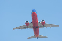 N304SW lifting off from KSAN (SBGrad) Tags: aperture nikon sandiego boeing nikkor 737 southwestairlines 2010 lindberghfield alr d90 ksan tc17eii aerotagged 80200mmf28dafs aero:man=boeing aero:model=737 aero:airline=swa aero:airport=ksan aero:series=3h4 aero:tail=n304sw