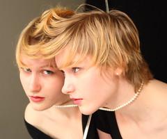 [フリー画像] 人物, 女性, ショートヘア, スタジオ, 201005102300