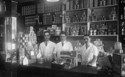 Cochrane's Grocers, Brigdeton, 1939