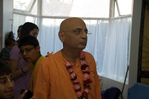 H H Bhakti Caru Swami 2010 - 0023 por ISKCON desire tree.
