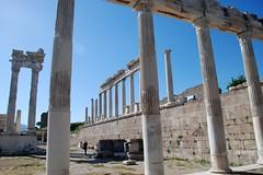 Akropolis(Byk Sunak,Athena  ve Traian Tapna)-Pergamon-zmir (fazidinc) Tags: urban architecture turkey antique tp oldbuilding oldcity pergamon bergama akropolis athenatapna traiantapna