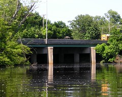 NJ Route 38 Bridge over South Branch of Rancocas Creek, Burlington County, New Jersey (jag9889) Tags: road bridge puente newjersey kayak crossing state nj bridges ponte kayaking pont brcke paddling waterway 38 crossings bbk 2010 delawareriver sr38 burlingtoncounty tributary rancocascreek southbranch y2010 hannesport njroute38 k432 jag9889