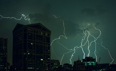 [Free Image] Nature/Landscape, Lightning/Thunderbolt, Architecture/Building, City/Town, Night View, United States of America, 201102080500