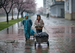 Rainy time in Pyongyang - North Korea (Eric Lafforgue) Tags: rain war asia korea asie coree northkorea pyongyang dprk coreadelnorte 5102 nordkorea    coreadelnord   insidenorthkorea  rpdc  kimjongun coreiadonorte