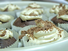 (D o 7 ) Tags: cakes cup cake cupcakes chocolate cream cupcake  chocolatecacke