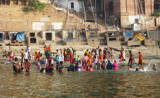 Daily life along the River Ganges