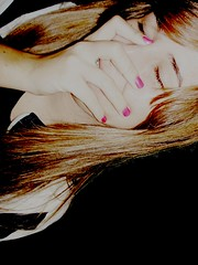 sou timida ;$ (Lia Litke) Tags: girl menina timida timidez