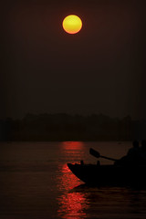 Sunrise by Ganges (Asterix the Celtic Gaul) Tags: india nikon hinduism benaras kasi potm varnasi d300s