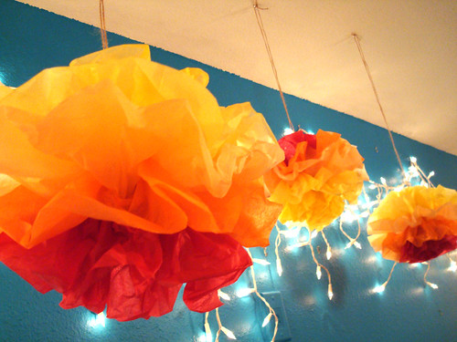 DIY pompoms - CRAFTY!
