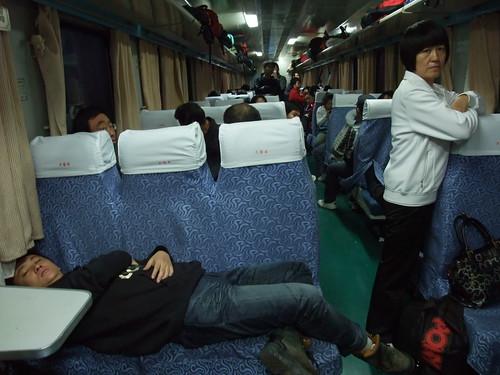 敦煌への電車内