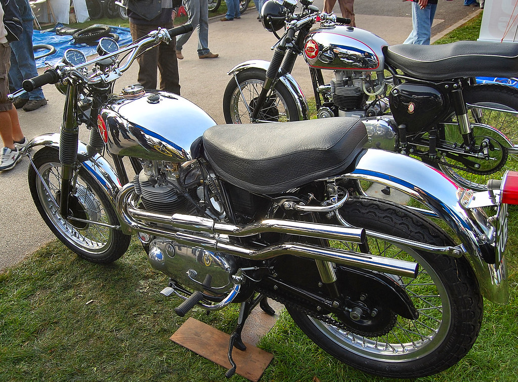 BSA ROCKET GOLD STAR. 650 cc. TWIN. 1962-63.