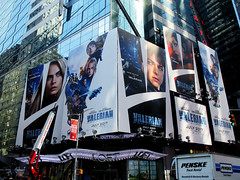 Valerian and the City of a Thousand Planets Billboard Poster 8192 (Brechtbug) Tags: valerian city thousand planets billboard poster times square nyc 2017 french science fiction comics series from 1967 valérian laureline written by pierre christin illustrated jeanclaude mézières film movie directed luc besson new york 07012017