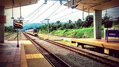 https://foursquare.com/v/ktm-rembau-kb16-komuter-station/50a169b2e4b05e06b6997187 #travel #holiday #train #railway #Asian #Malaysia #negeriSembilan #旅行 #度假 #火车站 #亚洲 #马来西亚 #森美兰 (soonlung81) Tags: holiday 森美兰 旅行 亚洲 negerisembilan railway train 度假 马来西亚 火车站 malaysia asian travel rembau