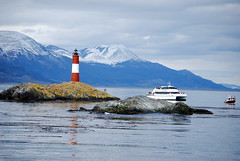 Lighthouse Les Eclaireurs (pelangio957) Tags: lighthouse argentina ushuaia phare julesverne findelmundo canalbeagle leseclaireurs