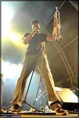 Mad Caddies @ VANS Resurrection Fest 2009, Viveiro (Hara Amors) Tags: show music photo concert spain nikon punk foto photos live concierto ska group livemusic band trumpet keith pop galicia galiza fotos musica 1750 grupo vans musik mad douglas reggae fest tamron 2009 f28 hara directo caddies resurrection viveiro trompeta d300 musika eastpak madcaddies livephotography vansoffthewall livemusicphotography tamron1750 tamronspaf1750mmf28xrdiiildasphericalif amoros hfmn hfmncrew keithdouglas resurrectionfest nikond300 oldnavyportcrew haraamors haraamoros tamronspaf175028xrdiii lastfm:event=968454 resurrectionfest2009 vansresurrectionfest2009 onpcrew