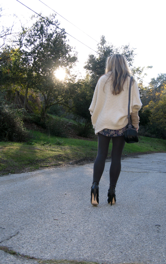 huge-cardigan-boots-with-chains-4