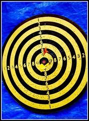 (kannecat) Tags: blue black color yellow boston circle market dartboard round antiques item dart sowa sowaopenmarket