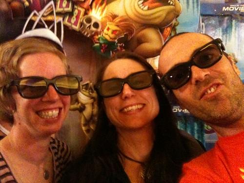 liebe mutter. The Red Carpet at Avatar; Liebe Mutter, Nana Mouskouri amp; Devastatin#39; Dave