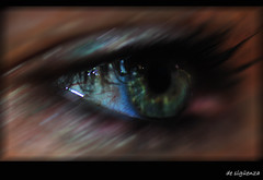 Me Mirars? (Sigenza) Tags: life eye art texture geotagged interesting ojos macros creatives mirada interesante texturing creativas nikond60 desigenza