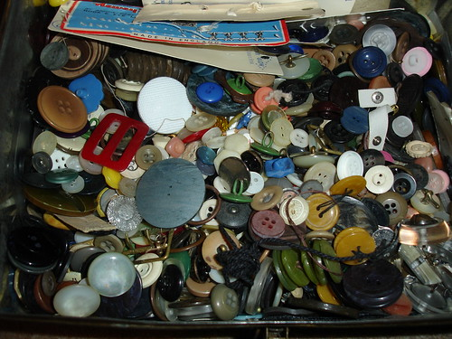 Nannie's button box 005