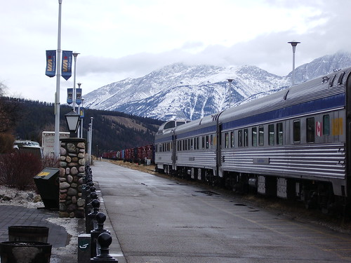 Nov2009 Train at Jasper