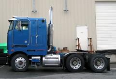 Canamera Refrigerated Transport (West Coast Motorhead) Tags: truck semi rig coe peterbilt cabover