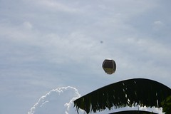 Festival de globos de La Loma 2010 (HiperBarrio) Tags: colombia medelln antioquia tradicin patrimonio sancristbal convergentes bibliotecaspblicas hiperbarrio historialocal veredalaloma